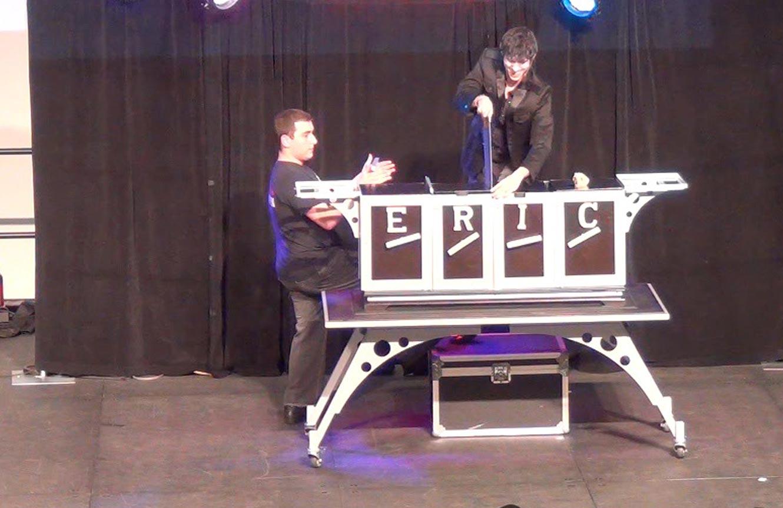 bar/bat mitzvah New York city Long Island Connecticut magician Eric Wilzig cocktail hour entertainment